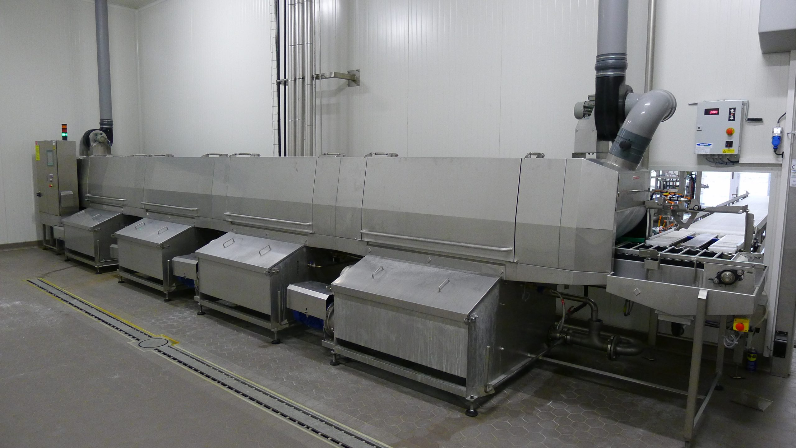 Cretel crate washer dairy industry