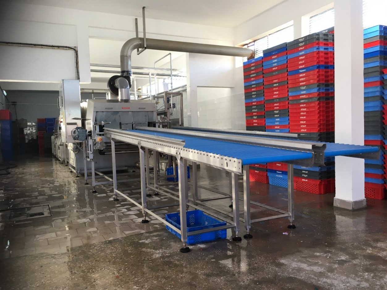 Cretel crate washer and pallet washer fish industry