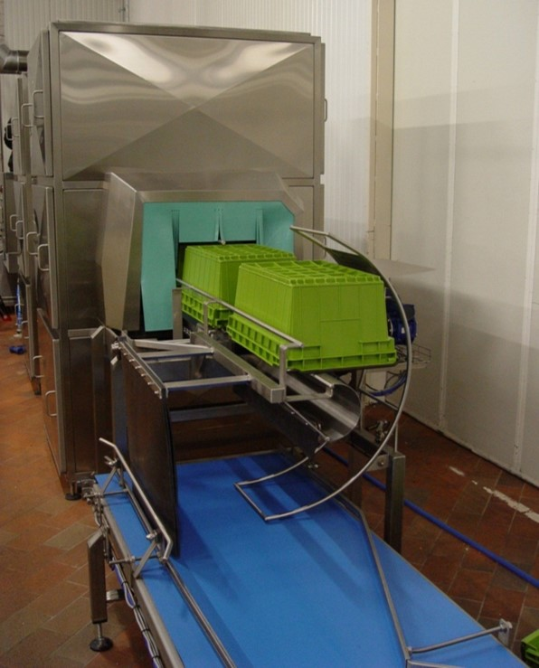 Cretel material handling in the field crate turning